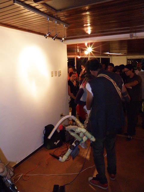 Estas viendo imágenes del artículo: Diez al Galpón - Exposición Colectiva