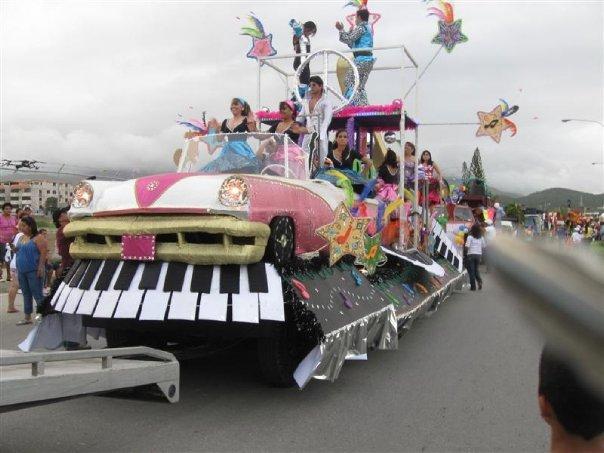 Estas viendo imágenes del artículo: Super Party - Galería