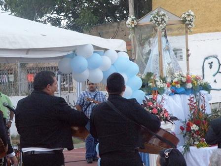 Estas viendo imágenes del artículo: La Virgen del Valle en Playa el Angel